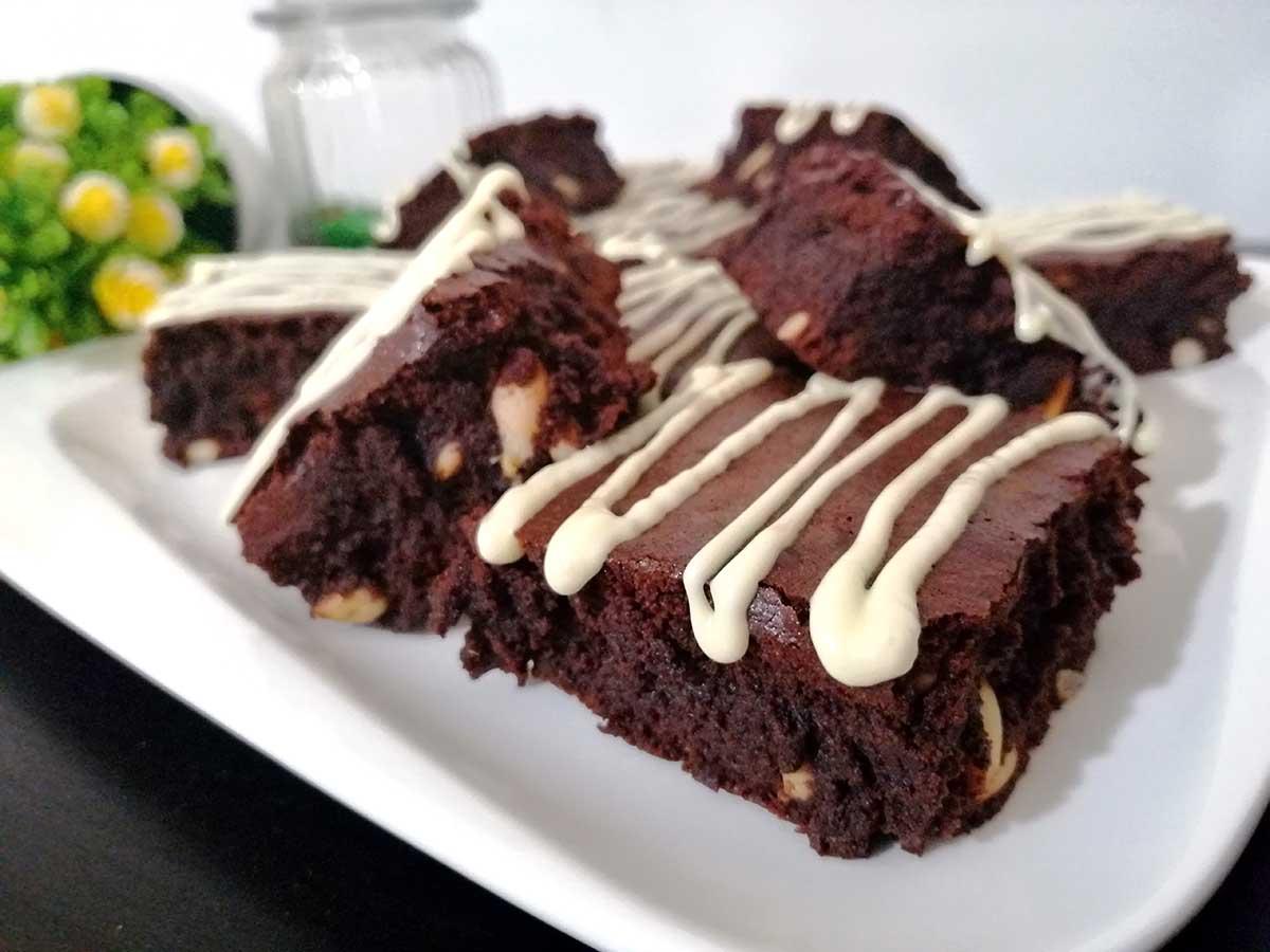 Brownie de Chocolate con Piñones