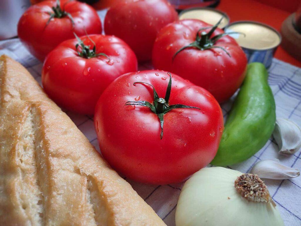 ingredientes receta salmorejo cordobes o porra antequerana